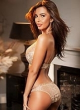 aysha slim busty london escort