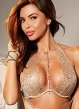 aysha slim busty london escort
