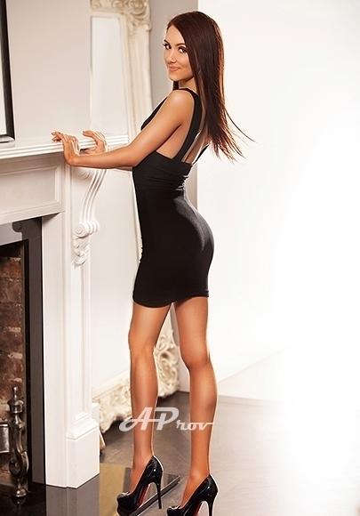 Very Slim Petite Marylebone incall Vesper elite girl